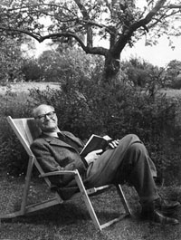 Gilbert Ryle - philosopher of Oxford, reader of Austen, sitter of deckchairs
